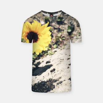 Thumbnail image of Photo Fleurs Marguerites Jaune T-shirt, Live Heroes