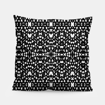 Black and White Ethnic Print Pillow obraz miniatury