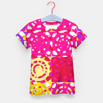 Miniatur graffiti circle pattern abstract in pink yellow and purple Kid's t-shirt, Live Heroes