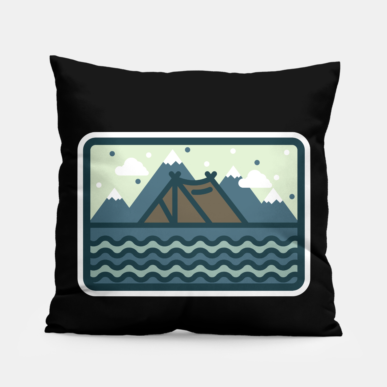 Foto Camp Mountain Beach View Pillow - Live Heroes