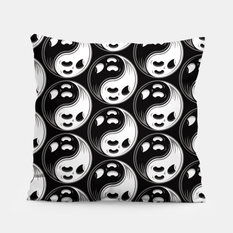 Miniatur Ghost Yin Yang Black and White Pattern Pillow, Live Heroes