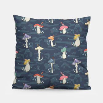 Miniature de image de Forest ball of the mushroom cats Pillow, Live Heroes