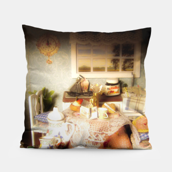 Miniature de image de dollhouse christmas Pillow, Live Heroes