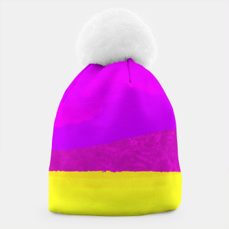 Miniatur Hikers in the Distance - Vibrant Variant Beanie, Live Heroes