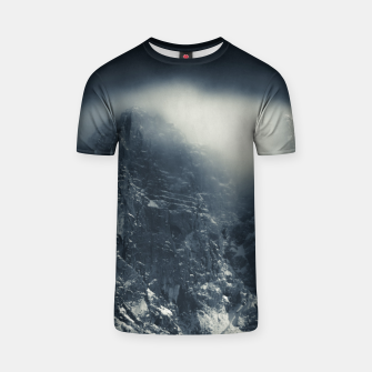 Miniature de image de Darkness and white clouds over the mountains T-shirt, Live Heroes