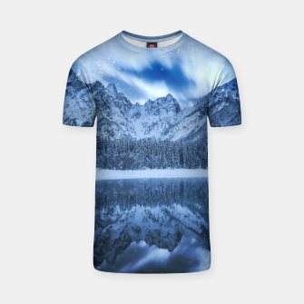Miniature de image de Fantasy at mountain lake T-shirt, Live Heroes