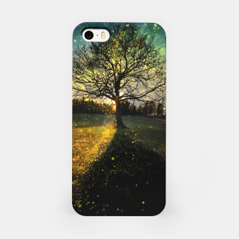 Miniaturka Magical fireflies dreamy landscape iPhone Case, Live Heroes