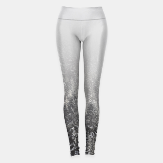 Miniature de image de Snowy spruce forest wrapped in fog Leggings, Live Heroes