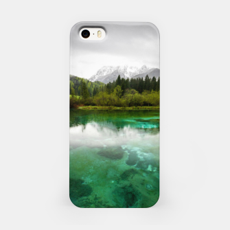Miniaturka Stunning cloudy day at Zelenci springs, Slovenia iPhone Case, Live Heroes