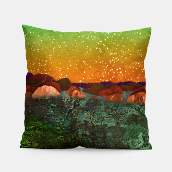 Miniature de image de One tundra Pillow, Live Heroes