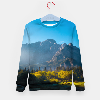 Imagen en miniatura de Sun rising on horses at lake Fusine, Italy Kid's sweater, Live Heroes