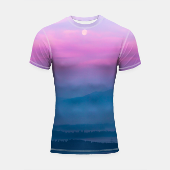 Imagen en miniatura de Bright clouds and moon at sunrise Shortsleeve rashguard, Live Heroes