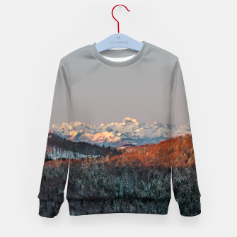 Imagen en miniatura de Sunset at spruce forest and mountains Kid's sweater, Live Heroes