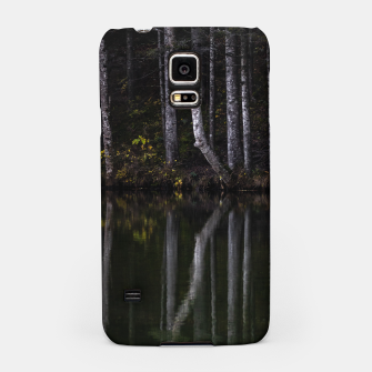 Miniature de image de White trees reflecting in lake Samsung Case, Live Heroes