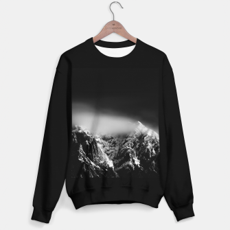 Miniature de image de Black and white long exposure of clouds above mountain Sweater regular, Live Heroes