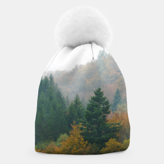 Miniatur Foggy autumn forest layers disappearing in fog Beanie, Live Heroes