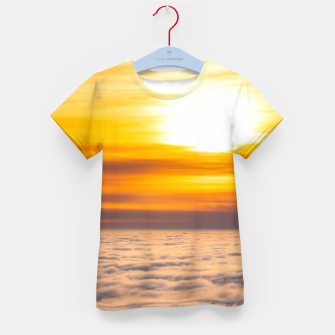 Imagen en miniatura de Stunning sunset above the clouds Kid's t-shirt, Live Heroes