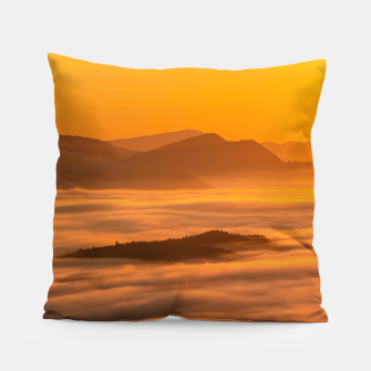 Miniaturka Sunrise colors and clouds Pillow, Live Heroes