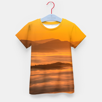 Imagen en miniatura de Sunrise colors and clouds Kid's t-shirt, Live Heroes