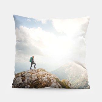 Miniature de image de Mountain wanderer Pillow, Live Heroes