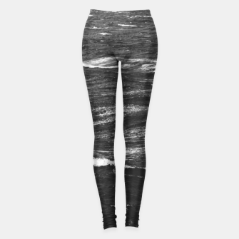 Miniaturka Black and white photo of a stormy sea Leggings, Live Heroes
