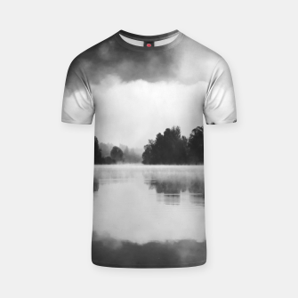 Miniaturka Morning fog above the lake in black and white T-shirt, Live Heroes