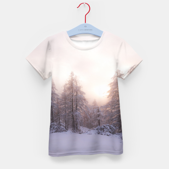 Imagen en miniatura de Sunlight and spruce forest Kid's t-shirt, Live Heroes