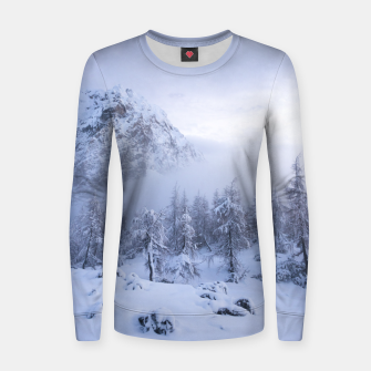 Miniatur Winter wonderland, fog, spruce forest and mountains Women sweater, Live Heroes