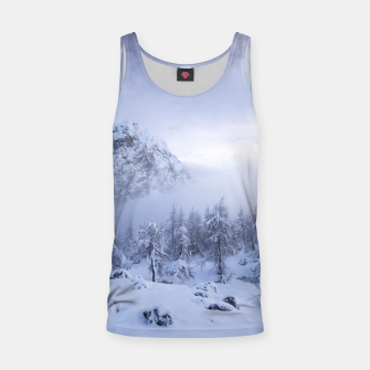 Miniatur Winter wonderland, fog, spruce forest and mountains Tank Top, Live Heroes