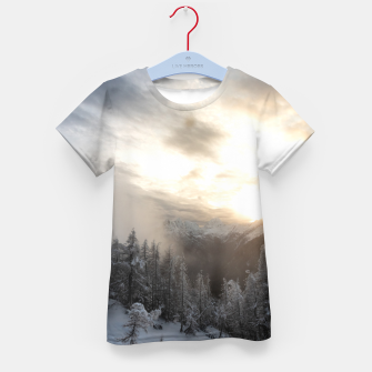 Miniaturka Sun shining at stunning winter scenery Kid's t-shirt, Live Heroes
