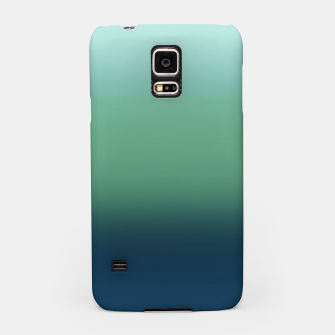 Imagen en miniatura de Blue green blue ombre green bottle color sea ocean blurred Samsung Case, Live Heroes