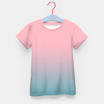 Pastel pink blue duotone gradient ombre summer stylish color pure soft light cotton candy bubble gum Kid's t-shirt Bild der Miniatur