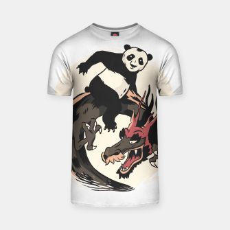 Thumbnail image of Panda Riding Dragon Camiseta, Live Heroes
