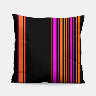 Imagen en miniatura de Halloween with style - elegant stripes in holiday colors Pillow, Live Heroes