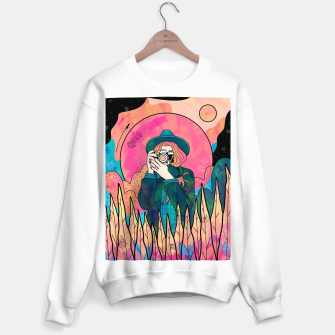 Thumbnail image of The space photographer Sweater regular, Live Heroes