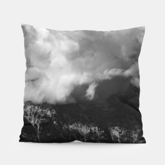 Miniatur Majestic mountain underneath clouds Pillow, Live Heroes