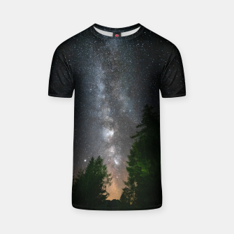 Miniatur Milky way above spruce forest T-shirt, Live Heroes