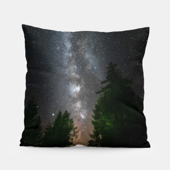 Miniatur Milky way above spruce forest Pillow, Live Heroes