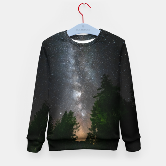 Imagen en miniatura de Milky way above spruce forest Kid's sweater, Live Heroes