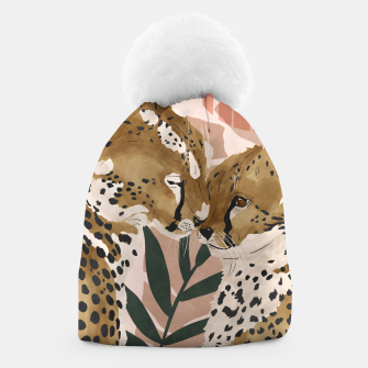 Thumbnail image of Cheetahs in love  Gorro, Live Heroes