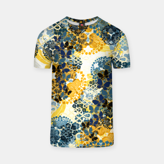 Miniatur Japanese Kimono pattern design flower and Butterfly T-shirt, Live Heroes