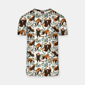 Little red pandas in nature Camiseta Bild der Miniatur