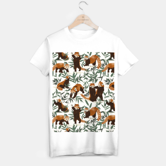 Little red pandas in nature Camiseta Regular Bild der Miniatur