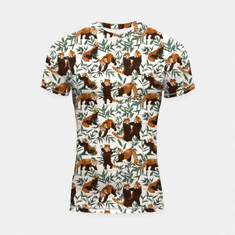 Little red pandas in nature Shortsleeve rashguard Bild der Miniatur