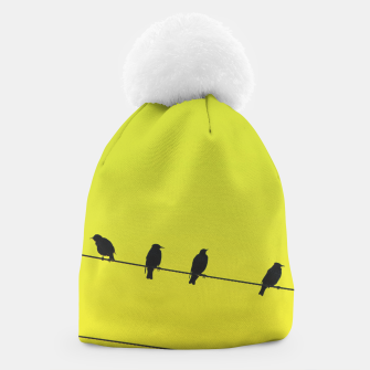 Four birds on a wire Beanie Bild der Miniatur