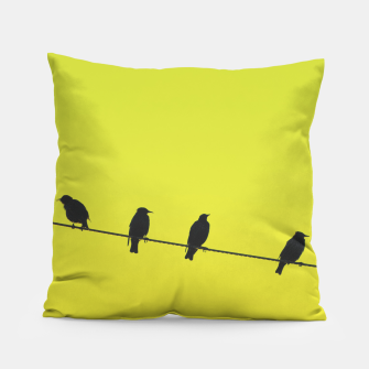 Four birds on a wire Pillow Bild der Miniatur