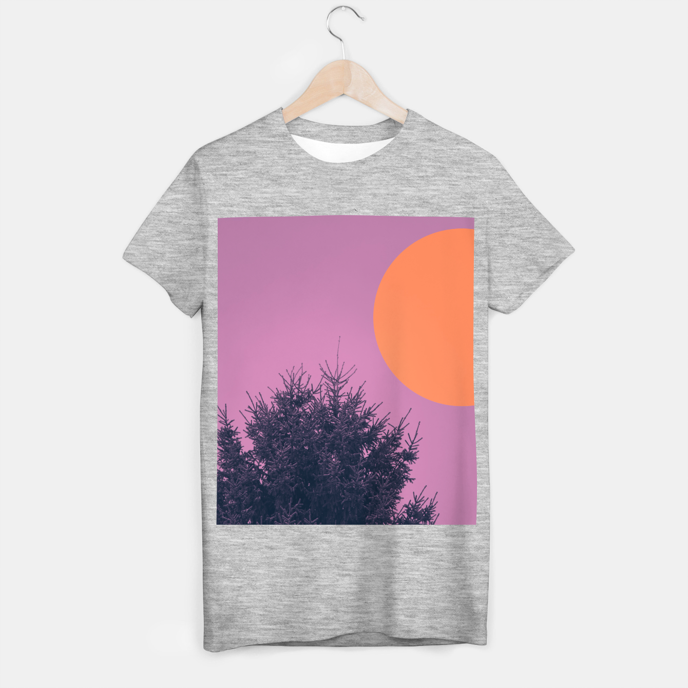 Foto Snowy pine tree and colorful background T-shirt regular - Live Heroes