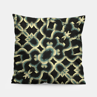 Dark Interlace Motif Mosaic Pattern Pillow Bild der Miniatur