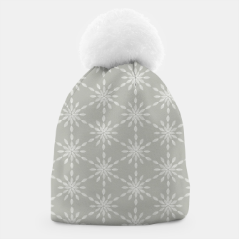 Geometric Watercolor Snowflakes and Flowers in Grey and White Beanie Bild der Miniatur
