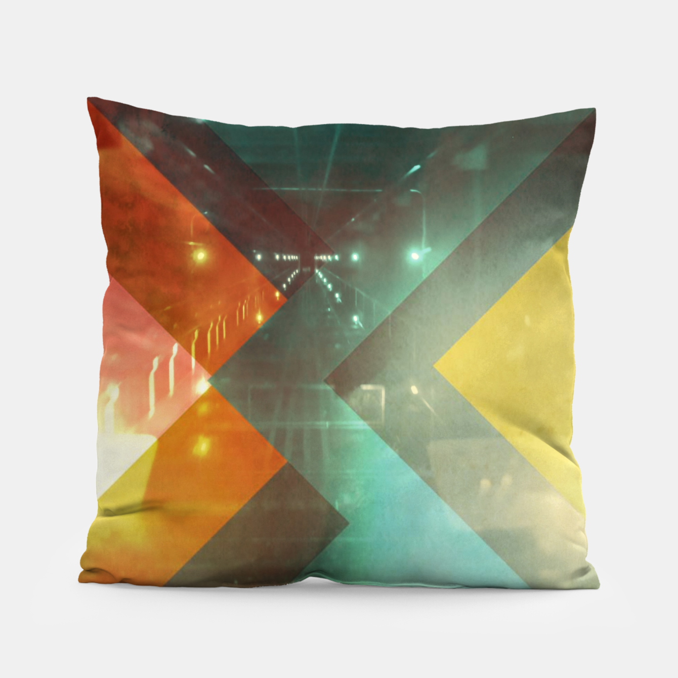 Foto 70s Orange Abstract Techno Triangles Pillow - Live Heroes